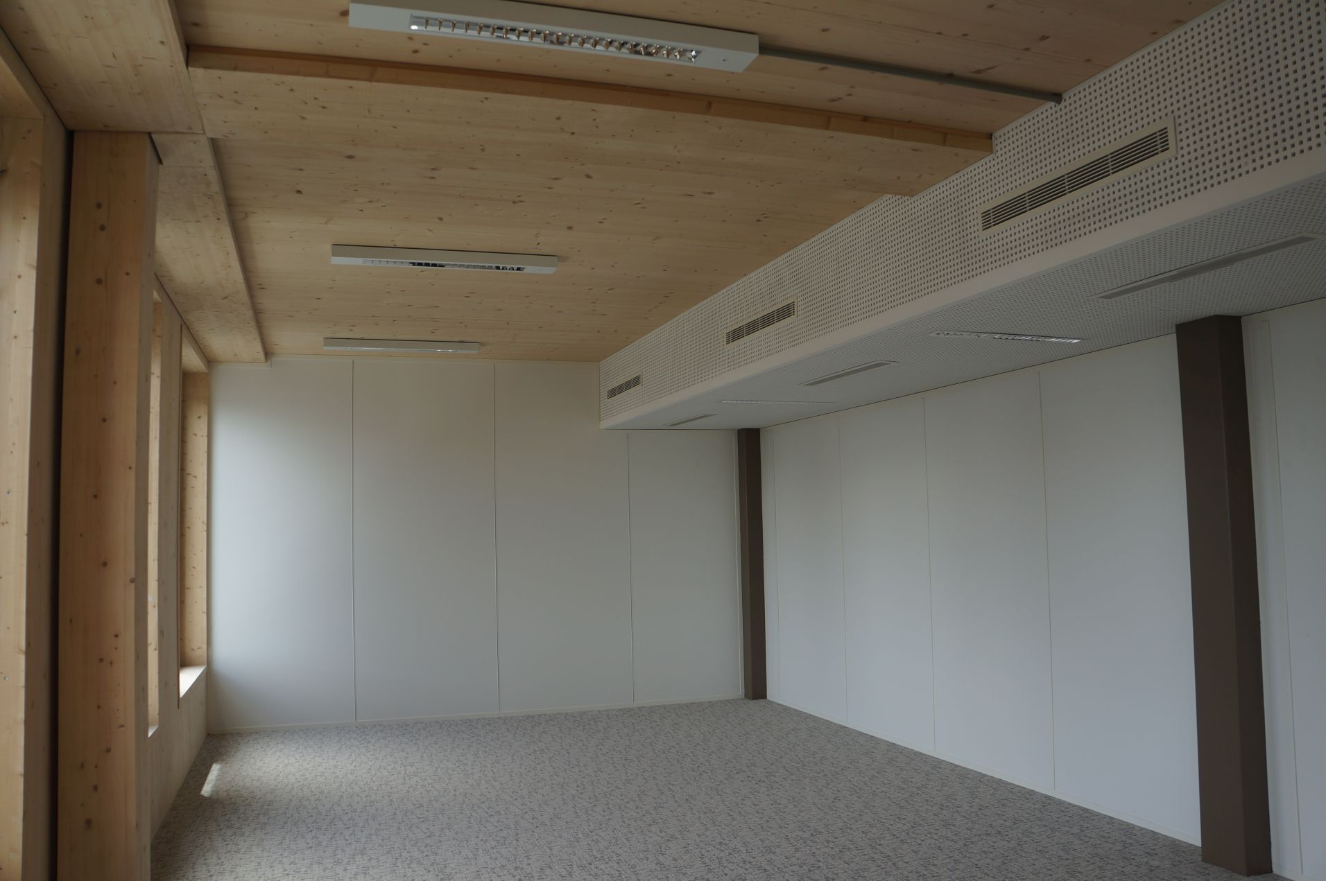 opalia le bois entre paris par la petite porte. Black Bedroom Furniture Sets. Home Design Ideas