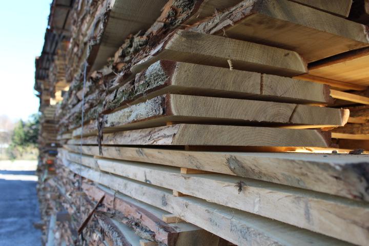 Woodenlight, produttore di arredi per esterni in legno di Robinia ...