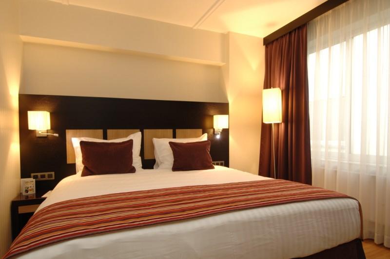 Chambre d 39 h tel contemporain 20 0 50 0 pi ces par mois for Prix chambre d hotel