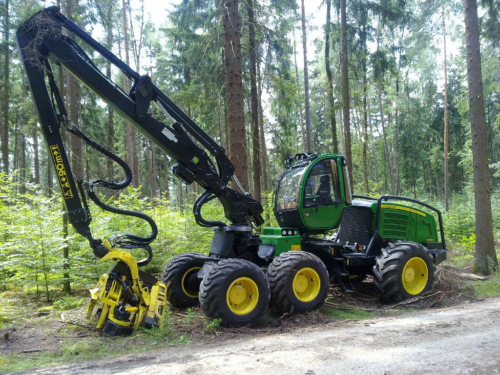 Ernte--und-R%C3%BCckemaschinen--Harvester.jpg