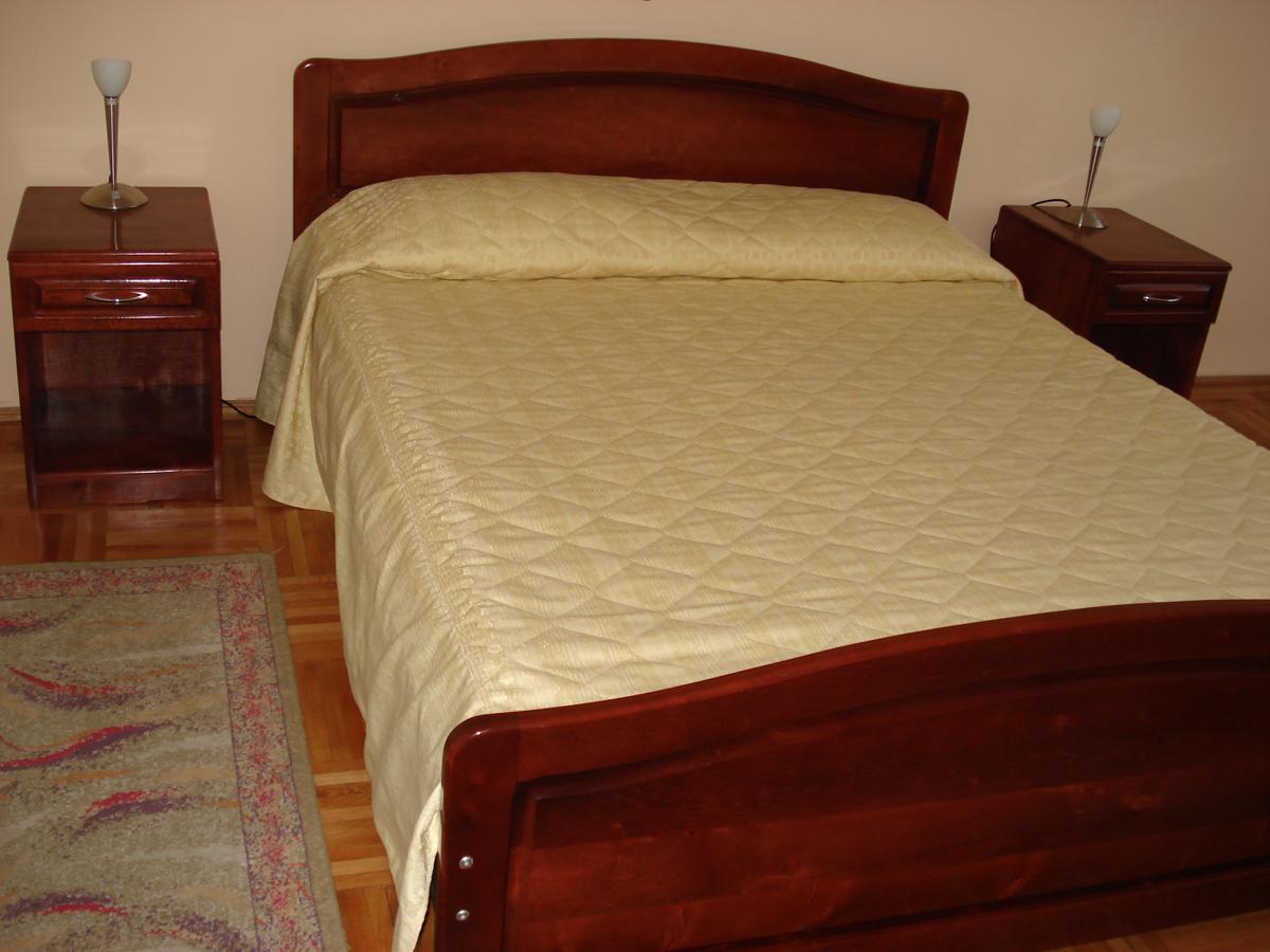 Ensemble pour chambre coucher design 5 0 6 0 pi ces for Ensemble chambre coucher