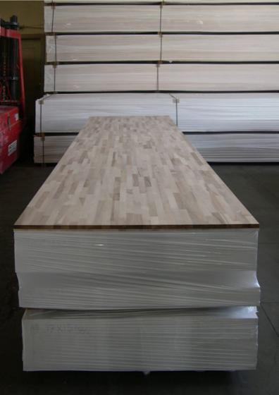 Wholesale Walnut 18; 19; 26; 32 mm Finger Jointed (Discontinuous Stave) European hardwood from Albania, Shkoder (Nord Albania)