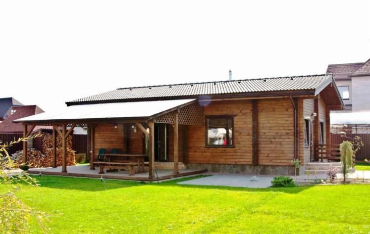 vend maison bois madrier empil s pin bois rouge r sineux belarus. Black Bedroom Furniture Sets. Home Design Ideas