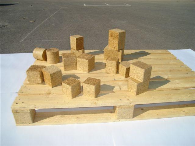 Moulded pallet block