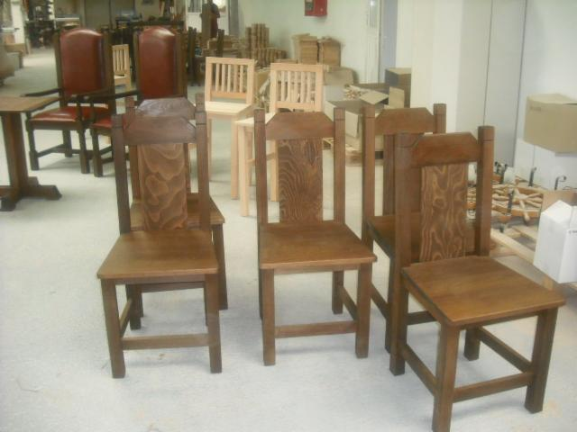 Chairs--Traditional