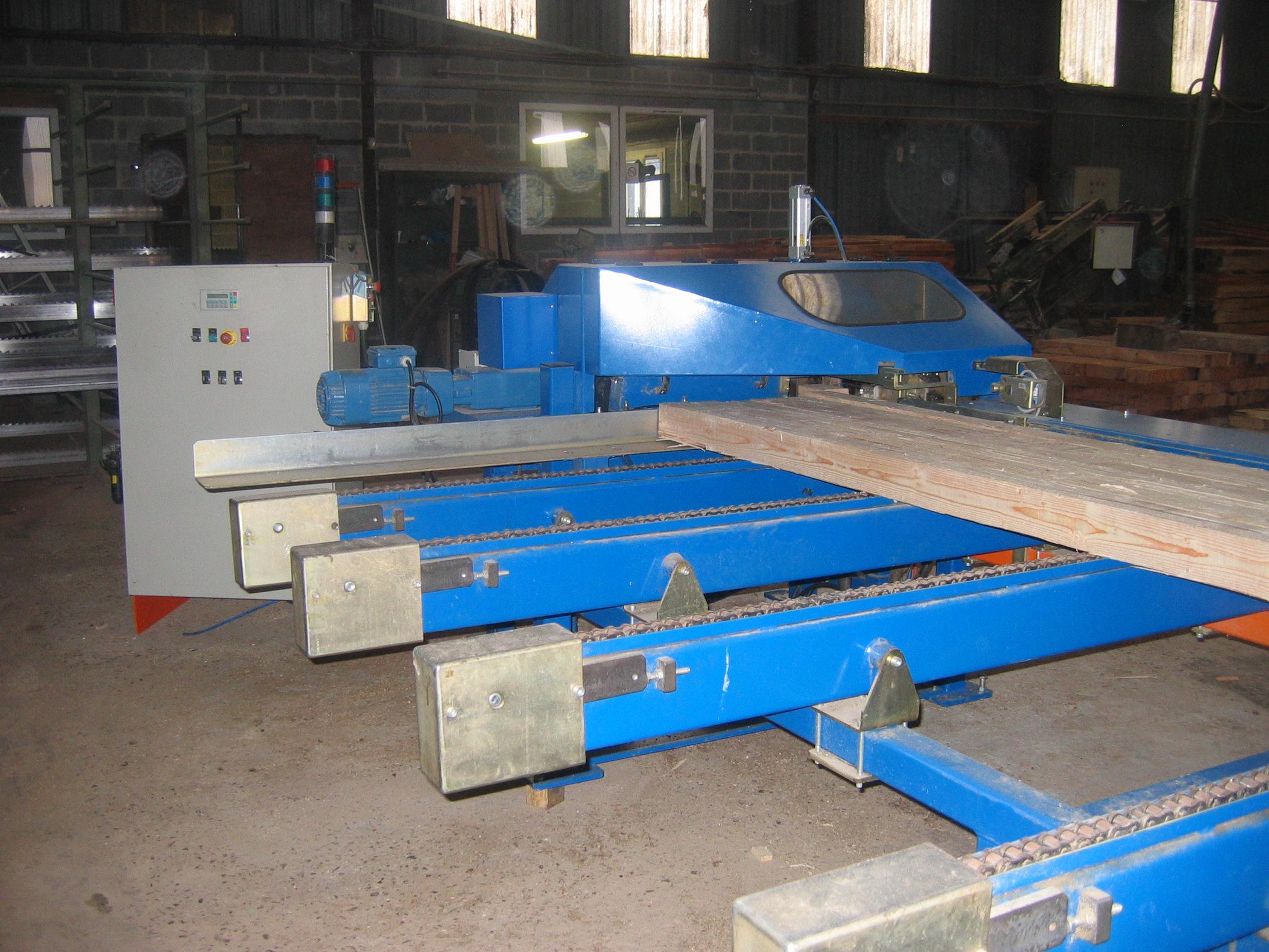 Scies machine couper les d s de palette sodem - Machine a couper le bois ...