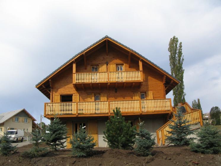 Casa con struttura in legno abete legni bianchi resinosi for Casa in legno romania