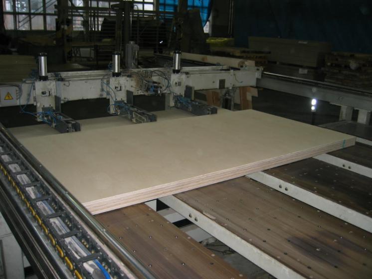 Vend machine couper les d s de palette steton 110 22 occasion lettonie - Machine a couper le bois ...