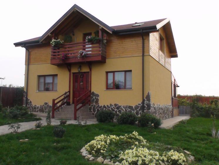 Case Di Tronchi Romania : Vendo casa di tronchi squadrati abete legni bianchi romania