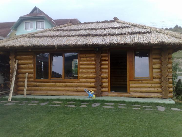 Casa di tronchi canadese abete legni bianchi resinosi for Piccoli piani di casa europei
