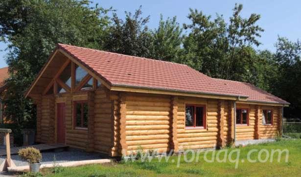 Case-din-lemn-rotund-necalibrat-dupa-proiecte-proprii