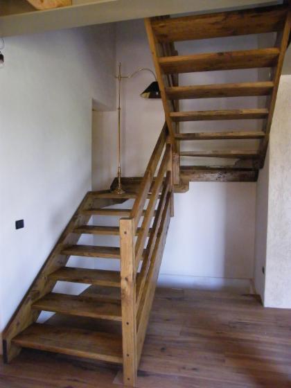 Produzione scale per interni in legno ferro acciaio inox e - Scale rivestite in legno per interni ...