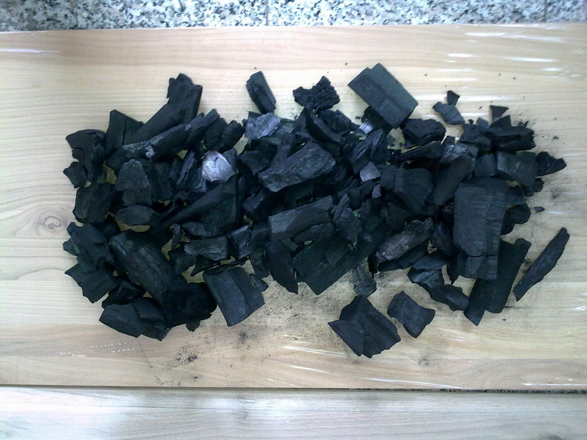 charbon de bois ch ne europ en. Black Bedroom Furniture Sets. Home Design Ideas