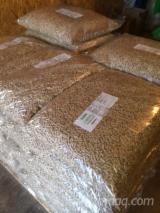 Wholesale  Wood Pellets Spruce Picea Abies - Whitewood - 6 mm resinous pellets
