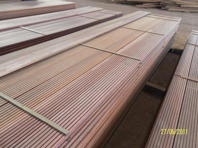 Ma aranduba bulletwood beefwood quinilla special for Decking special offers