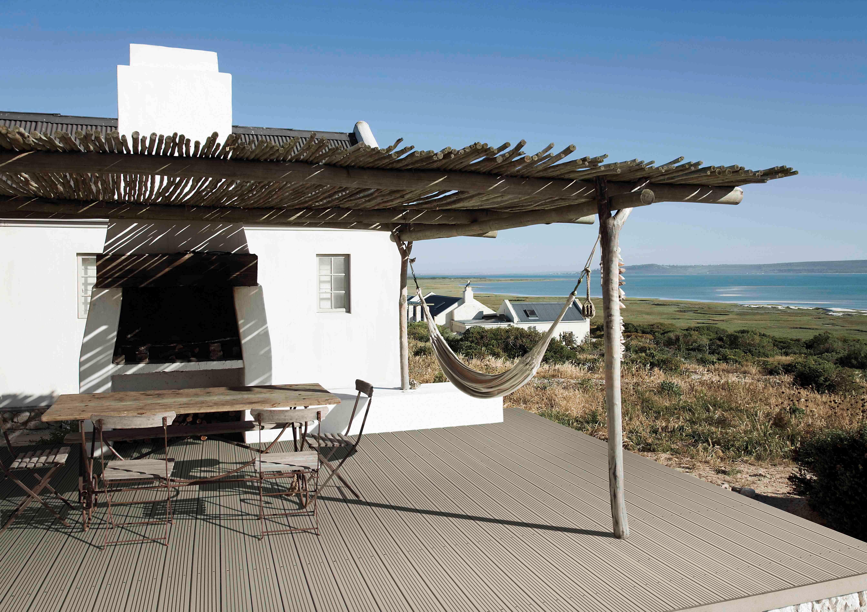 lame composite pour terrasse. Black Bedroom Furniture Sets. Home Design Ideas