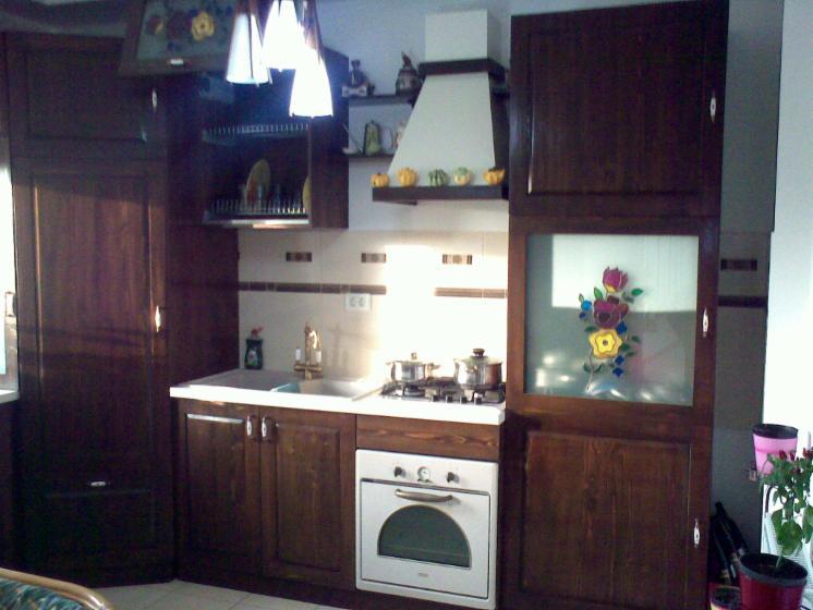 vend ensemble de meubles de cuisine timisoara. Black Bedroom Furniture Sets. Home Design Ideas