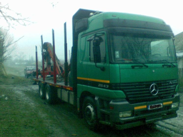 Vehicule de transport, Camion pentru trunchiuri