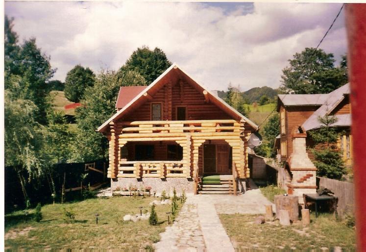 Canadian-Log-House