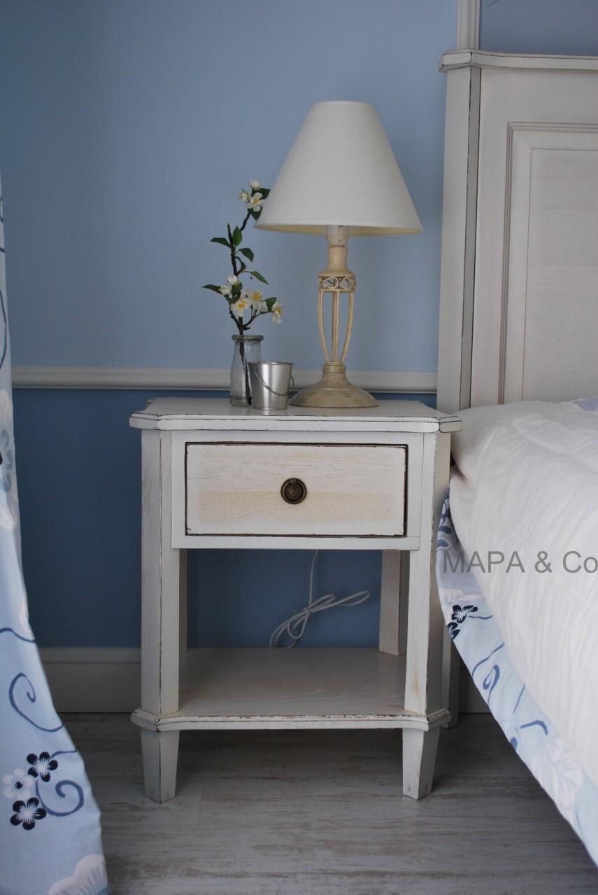 Ensemble pour chambre coucher traditionnel 1 0 1000 for Ensemble de chambre a coucher en bois
