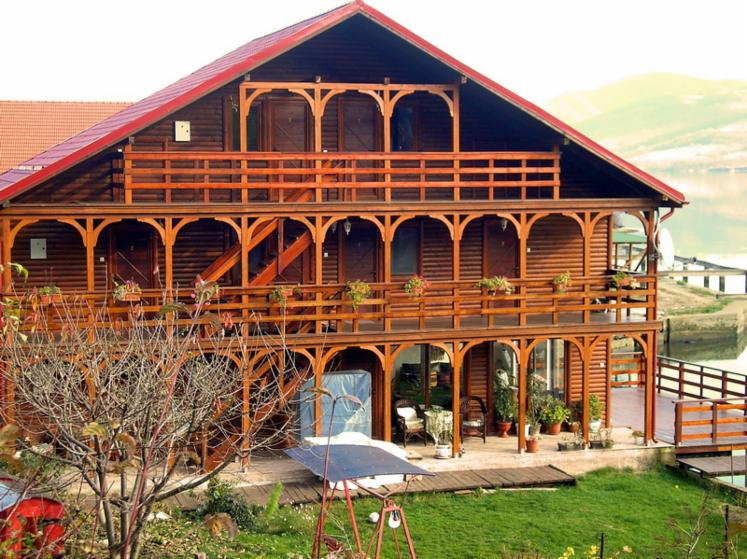 Wooden-Houses-Spruce--from