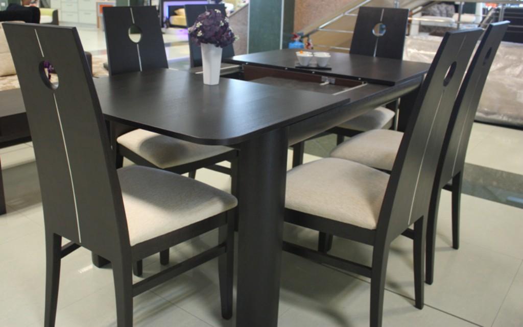 Eettafels modern 80 0 120 0 stuks per maand - Table salle a manger contemporaine roche bobois ...
