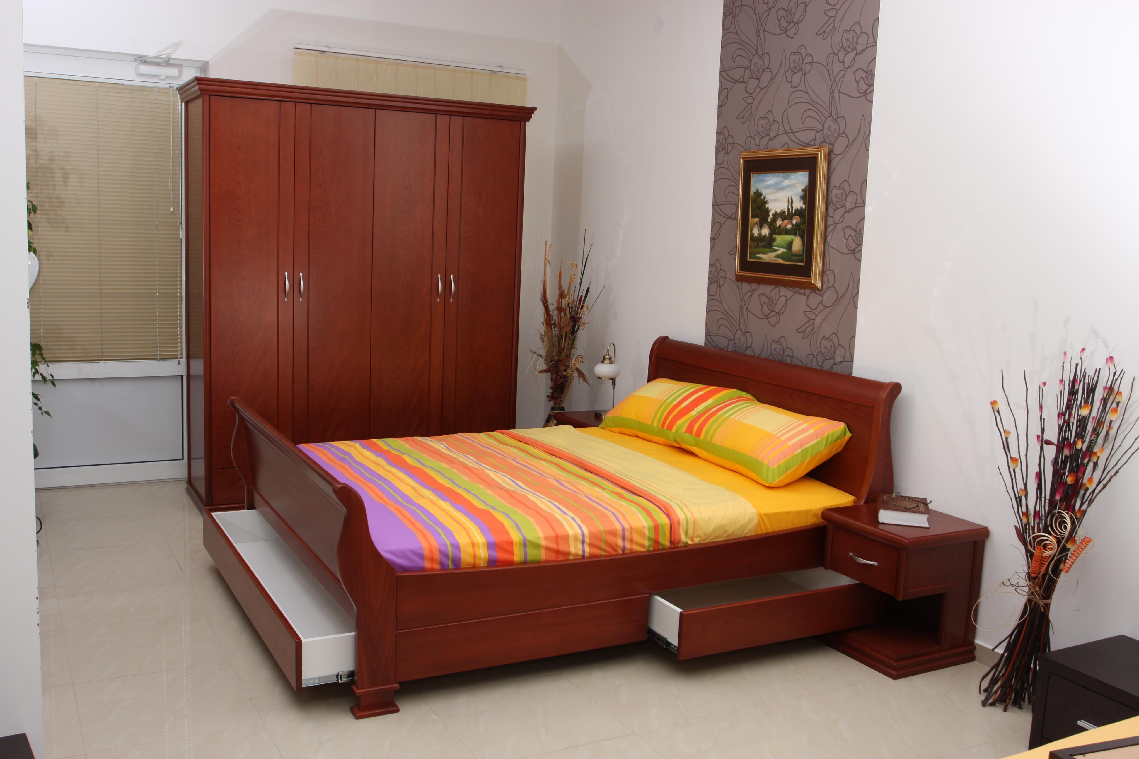 Conjuntos de dormitorio tradicional 50 0 100 0 piezas for Les model de chambre a coucher