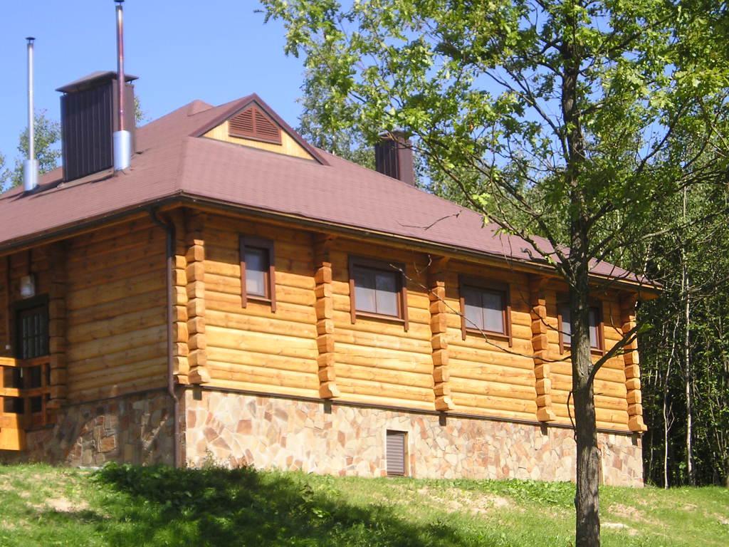 Square milled log house pine pinus sylvestris redwood for Square log home
