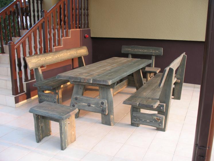 Vend ensemble de jardin traditionnel bois massif for Ensemble de jardin bois
