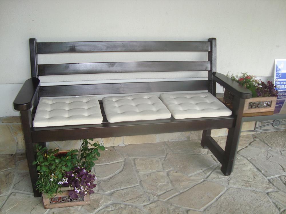 Panchine da giardino contemporaneo 300 0 400 0 pezzi al mese - Panchine da giardino ikea ...