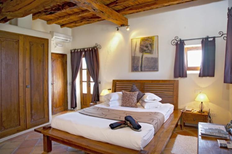 Vendo arredamento camera da letto coloniale legno tropicale africano teak bali - Vendo camera da letto usata ...