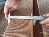 Finden Sie Holzlieferanten auf Fordaq - Uniforest Wood Products - Brazil Office - Cumaru, Rutschfester Belag (1 Seite)