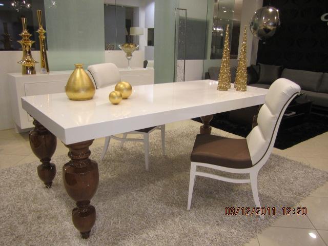 ensemble de salle manger design 1 0 1000 0 pi ces par mois. Black Bedroom Furniture Sets. Home Design Ideas