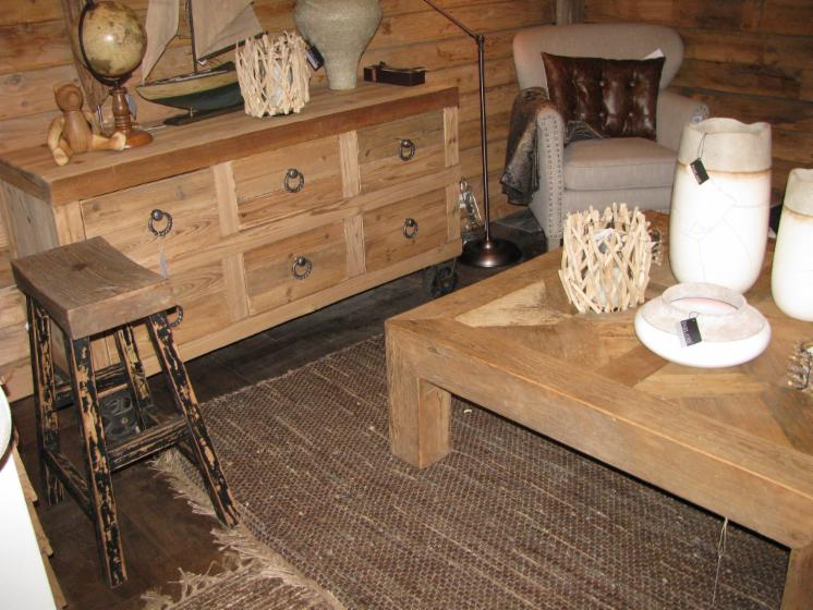 meubles rustiques r tro la recherche d 39 un producteur. Black Bedroom Furniture Sets. Home Design Ideas