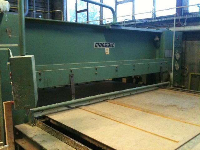 Vendo macchine per incollare tavole di legno manea usato - Vendita tavole di legno ...