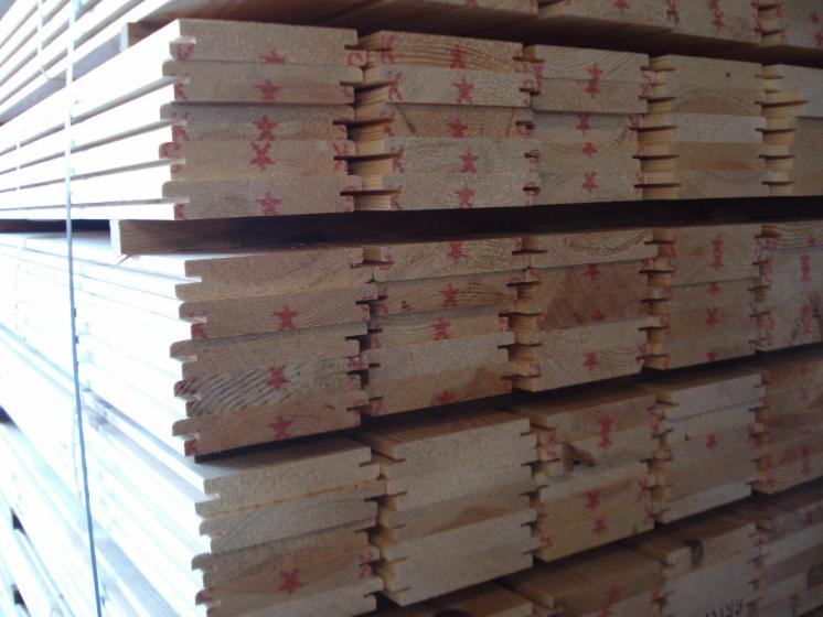 Pino nordico para exterior posibilidad de tratamiento riesgo 4 - Tratamiento para madera exterior ...
