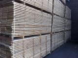 PEFC Sawn Timber - 27x220 mm Oak 2° 2m20/2m40