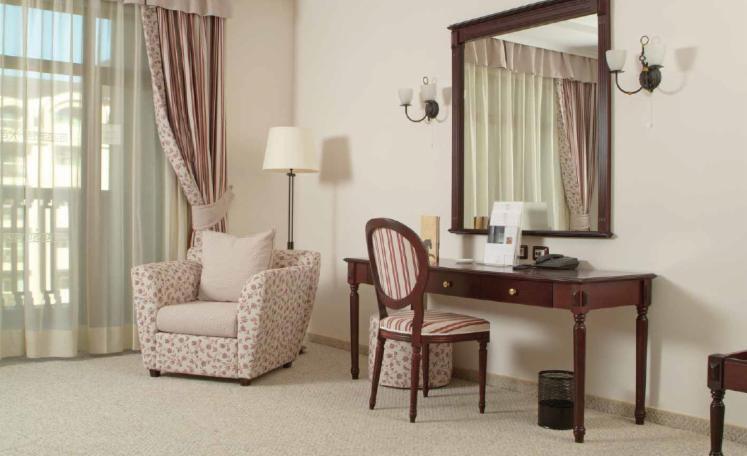 Vend chambre d 39 h tel traditionnel autres mati res panneau mdf for Chambre d autres