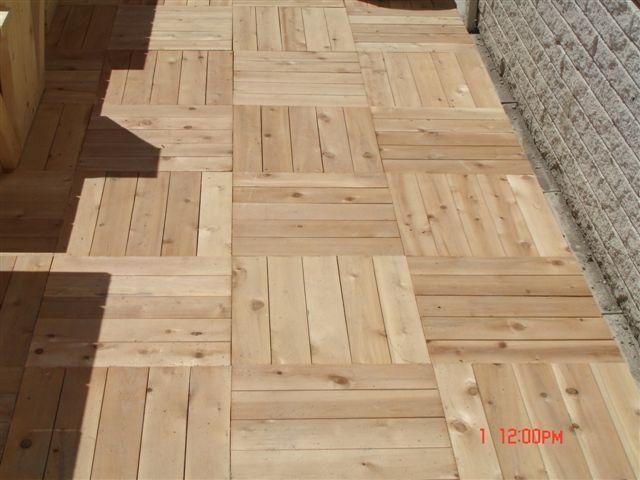 Cedro blanco del norte baldosa de madera de jard n csa for Baldosas de madera para jardin