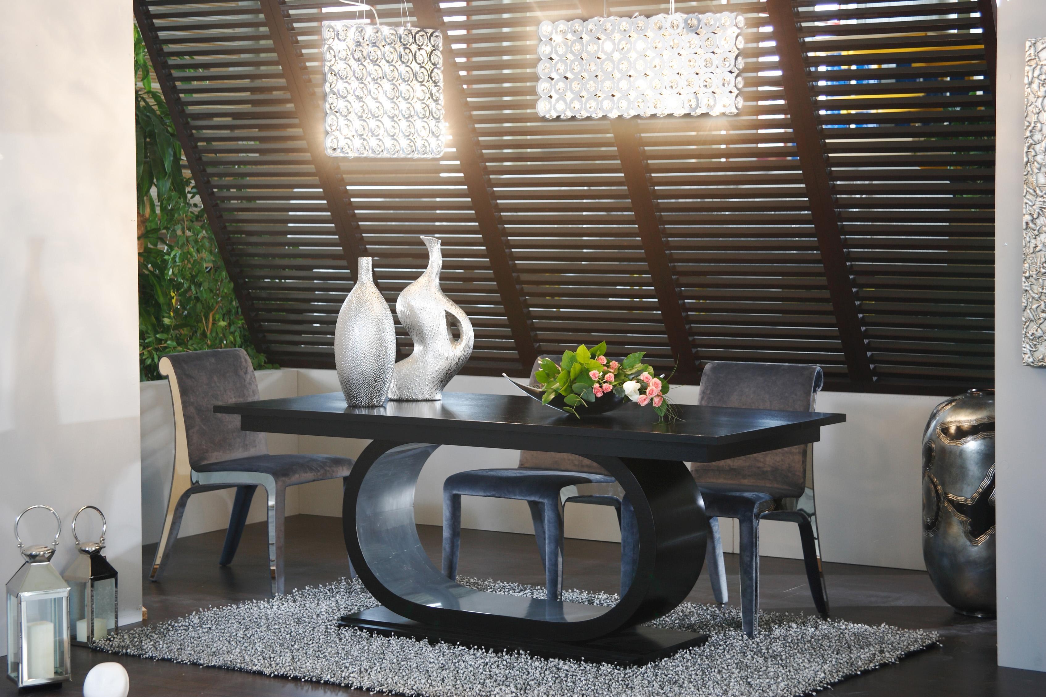 ensemble de salle manger design 1 0 500 0 pi ces. Black Bedroom Furniture Sets. Home Design Ideas