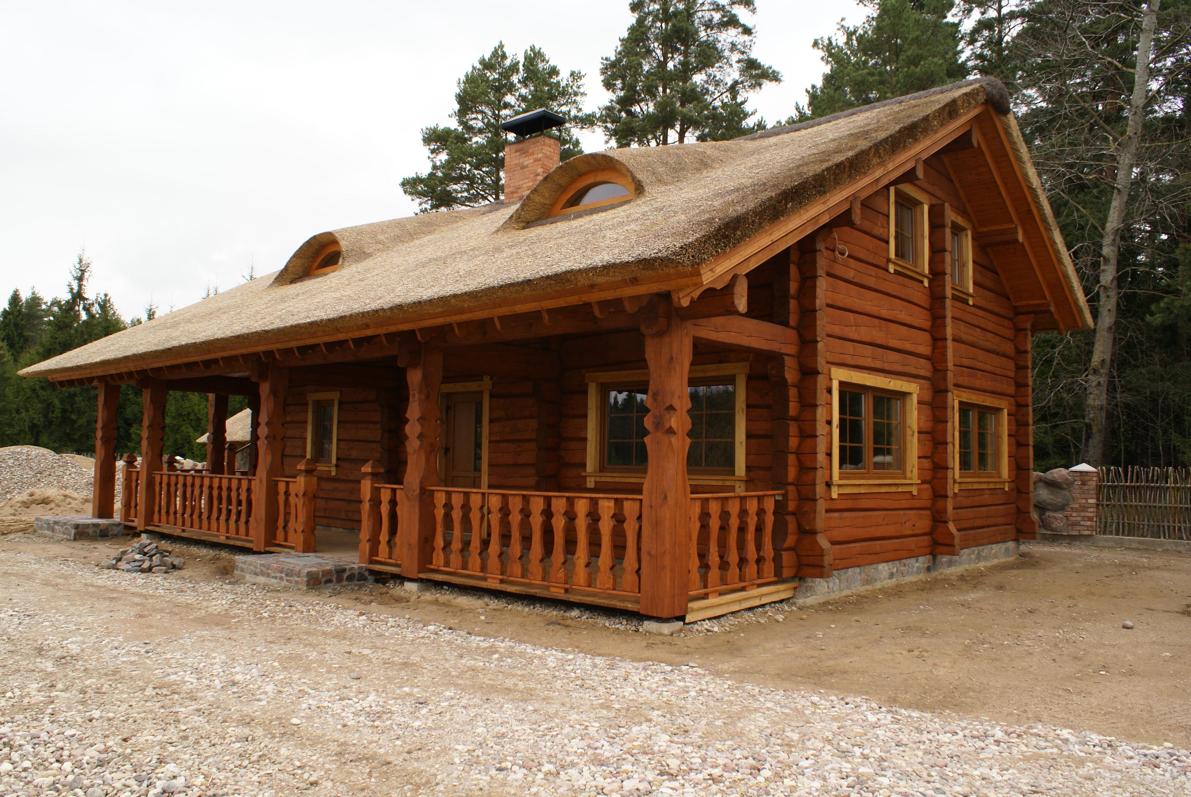 Case in legno massello sistema blokhouse for Casa in legno costo totale
