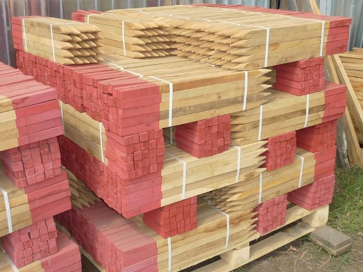 Oak Stakes for Sale