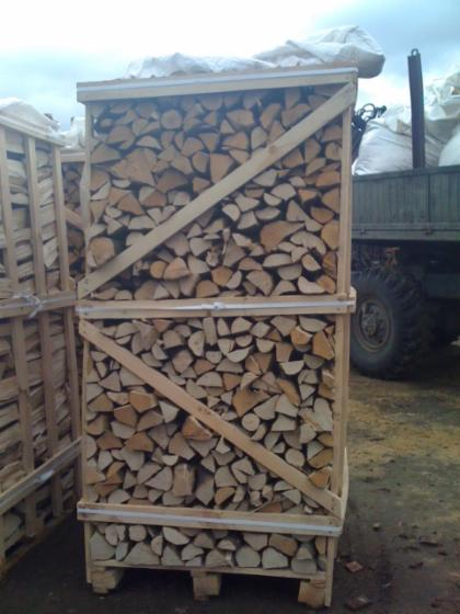 Firewood/woodlogs cleaved