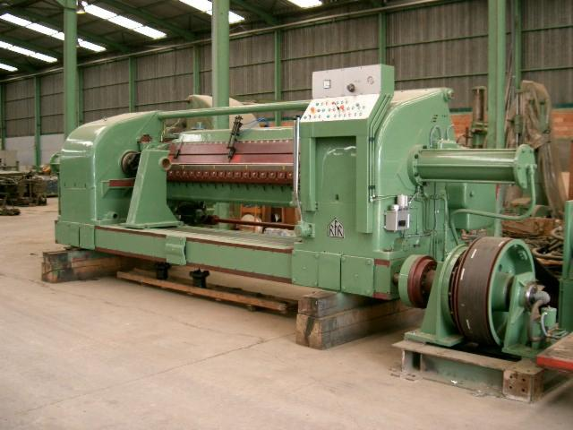 Slicing   Cleaving   Chipping   Debarking, DEROULEUSE