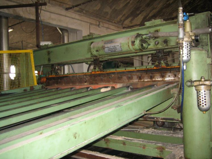 Slicing   Cleaving   Chipping   Debarking, CIZALLA SALIDA TORNO