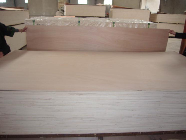 Natural plywood, Okoumé (Gaboon, Okaka