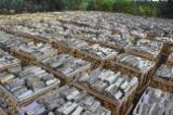 立陶宛 供應 - 劈切薪材 – 未劈切 碳材/开裂原木