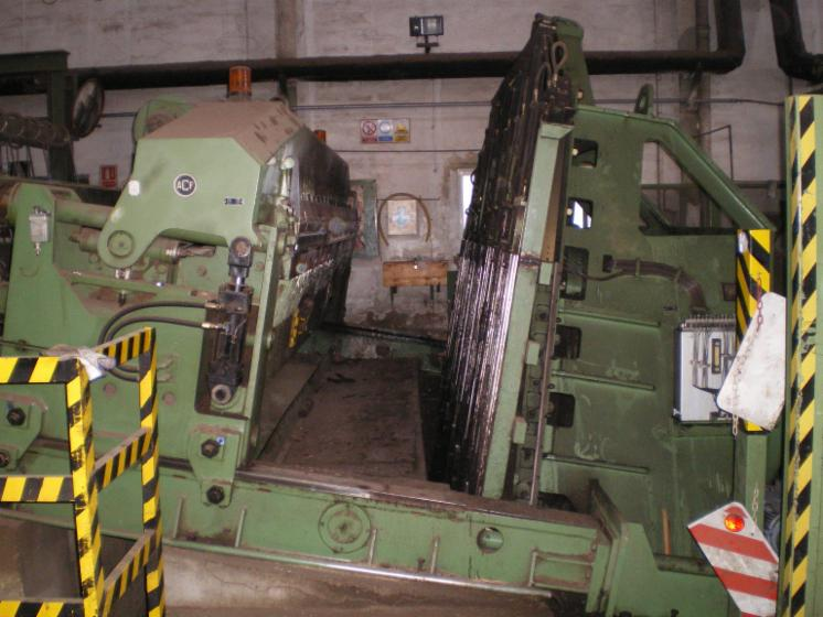 Slicing   Cleaving   Chipping   Debarking, TRANCHEUSE VERTICAL