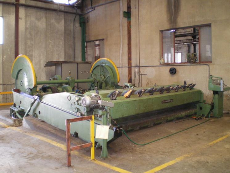 Slicing   Cleaving   Chipping   Debarking, PLANAS HORIZONTALES