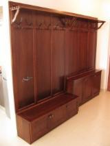 B2B Möbel Zum Verkauf - Kaufen Und Verkaufen Auf Fordaq - Kleiderständer, Zeitgenössisches, 5.0 - 10.0 stücke pro Monat
